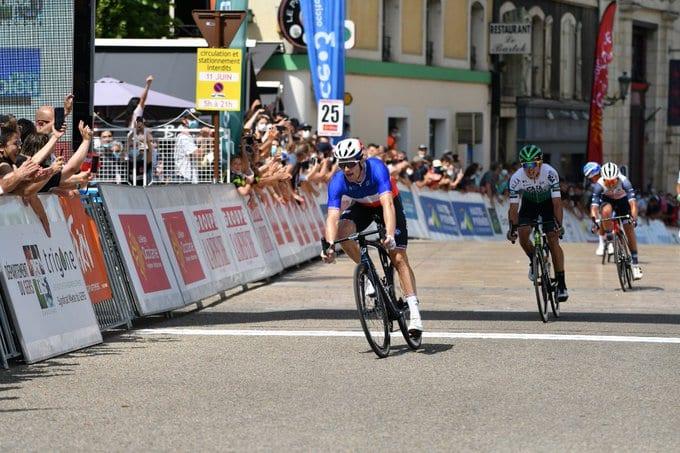 Arnaud Demare gana la segunda etapa de la Ruta de Occitania