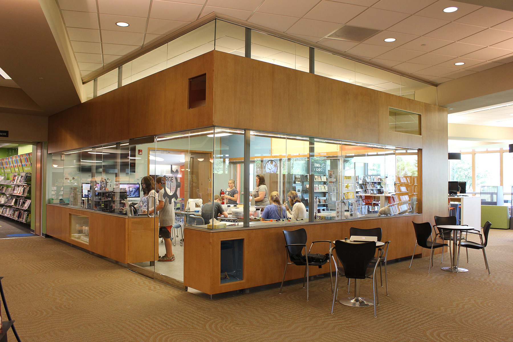 10 Questions To Plan A Library Makerspace