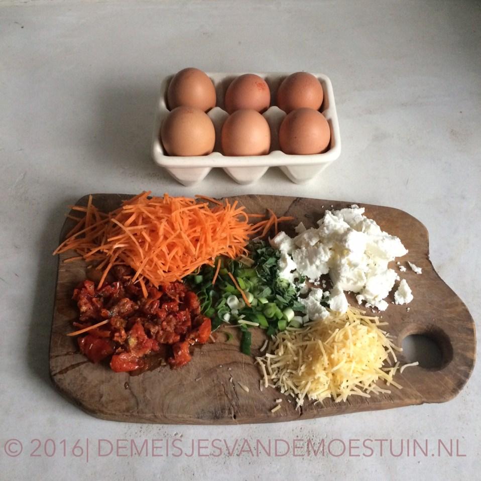 paleo muffins met wortel en zongedroogde tomaat