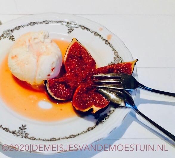 sinaasappelroomijs-met-kaneel-en-verse-vijgen