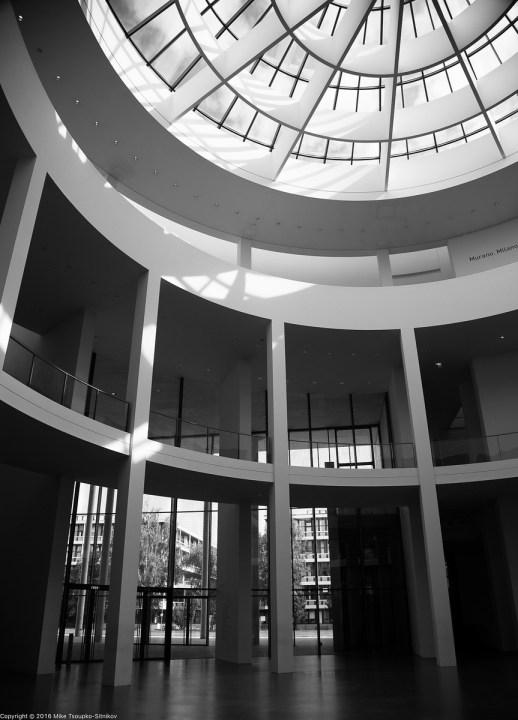The main lobby of Pinakothek der Moderne