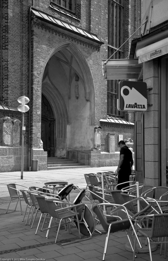 A café at Frautnplatz