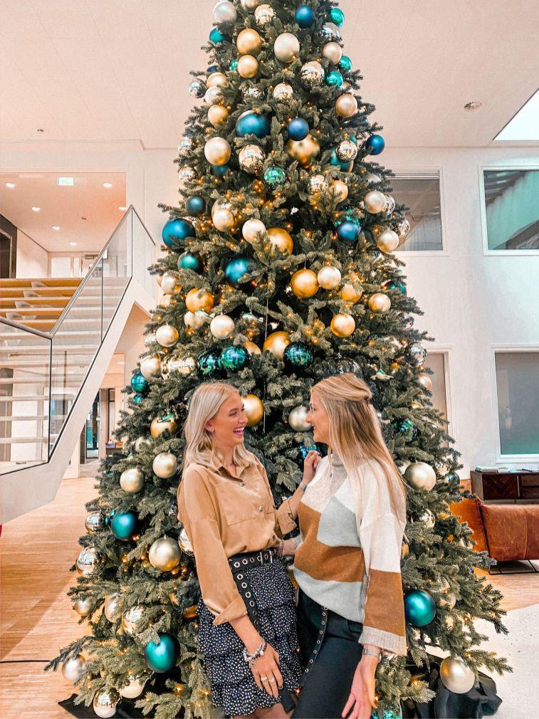 TUI hoofdkantoor; kerst met dinnie Lisan