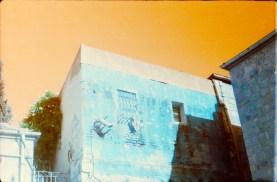 kamera: fed5b, film: lomochrome turquoise 100-400, gehandhabt bei 200 ISO.