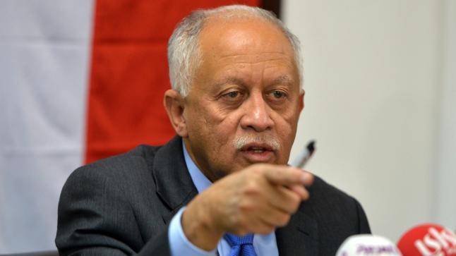 وزير خارجية اليمن يتهم الحوثيين بخوض حرب إبادة بعدن