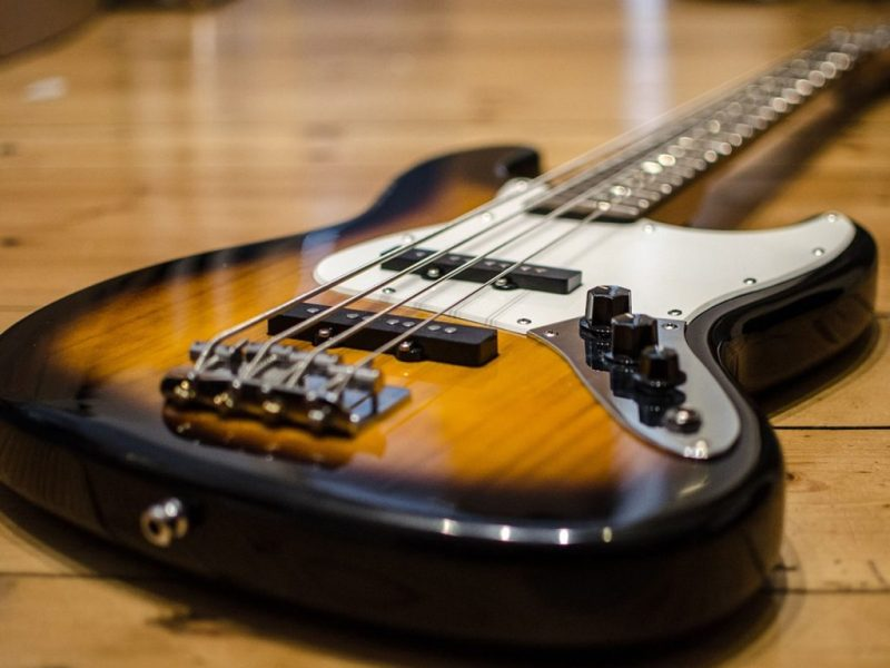 bass-guitar-913092_1280