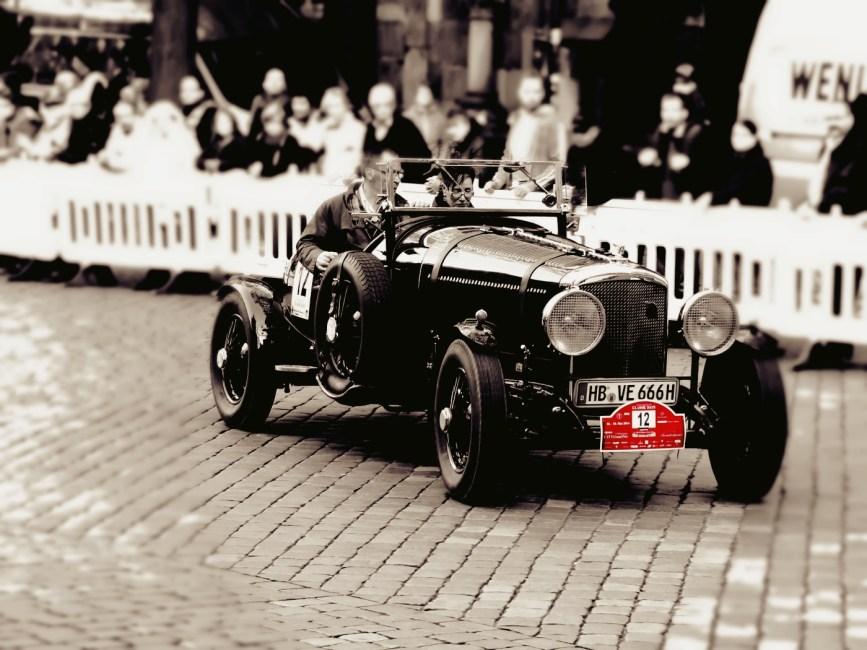 oldtimer-382191_1920