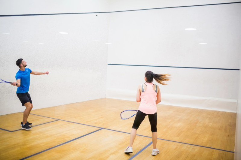 https://i2.wp.com/demo.wpzoom.com/presence-fitness/files/2016/10/photodune-13379895-competitive-couple-playing-squash-in-the-squash-court-m.jpg?w=800