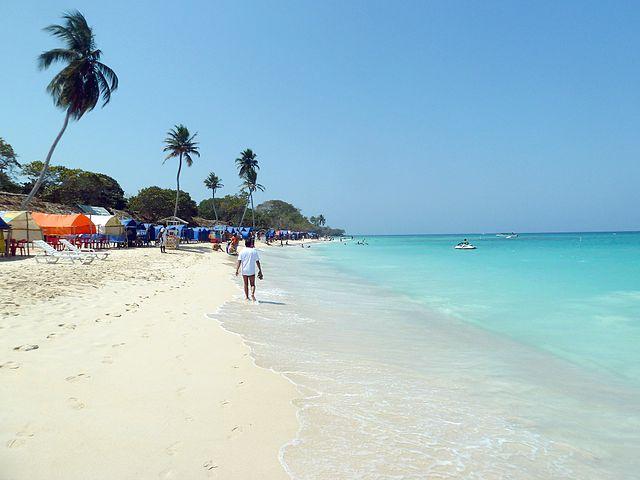 Playa_Blanca_ISLADELROSARIO_Cartagena_Colombia