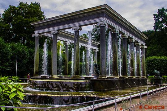 Fonte Cascata do leão Peterhof