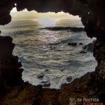 Conhecendo as cavernas da Ilha de Páscoa.