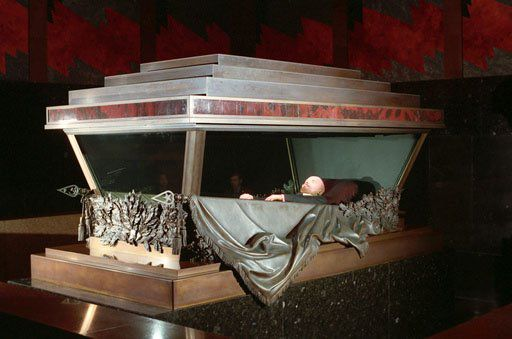 Resultado de imagem para mausoléu de lenin