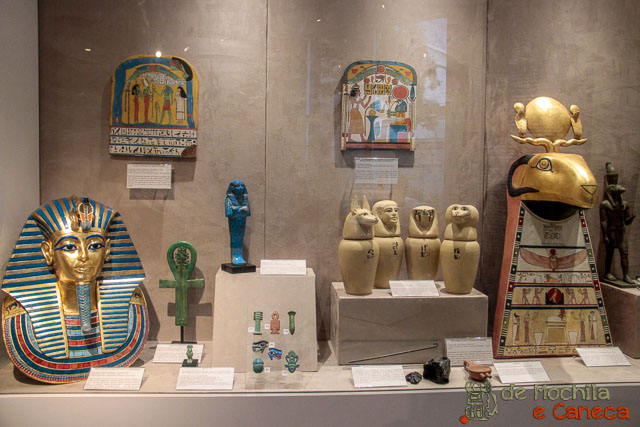 Curitiba em dia de chuva-Museu Egípcio de Curitiba.