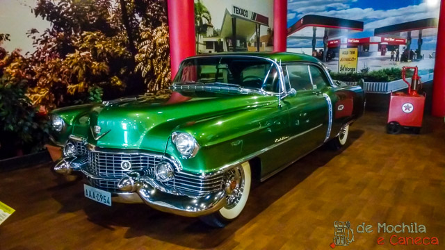 Curitiba em dia de chuva- Museu do Automóvel.