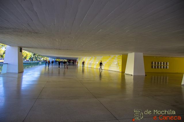 Curitiba em dia de chuva- Museu do olho