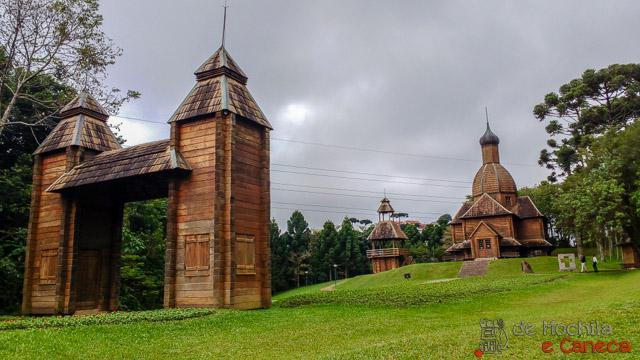 atrativos imperdíveis de Curitiba-Memorial Ucraniano - Parque Tingui