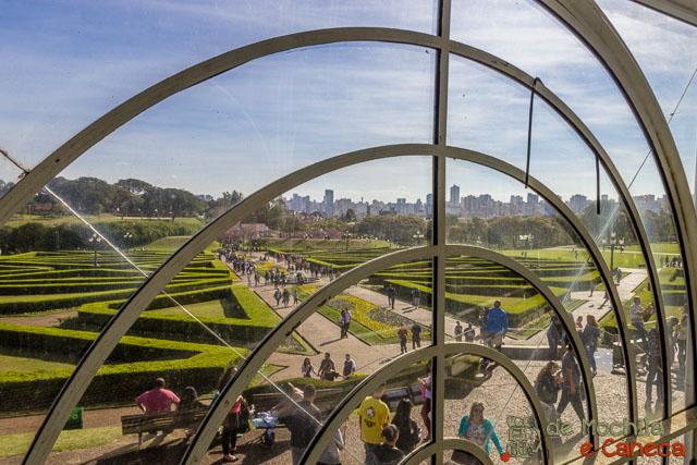Jardim Botânico de Curitiba-Vista a partir do interior da estufa