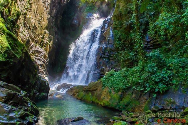 Roteiro no Petar-Cachoeira Beija Flor