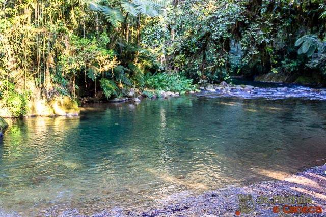 Núcleo Santana-Piscina natural do rio Betari