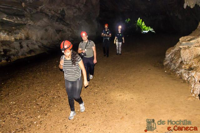 Roteiro no Petar-Caverna da Água Suja.
