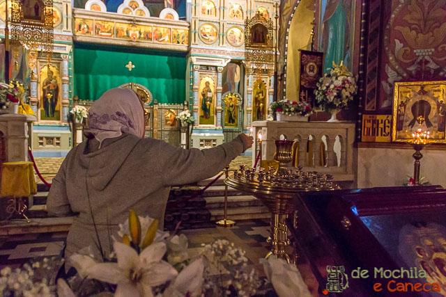 5 igrejas para conhecer na Rússia-interior de uma igreja ortodoxa