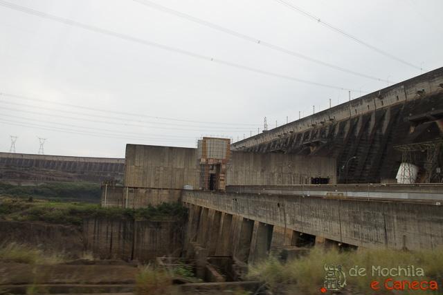Usina Binacional de Itaipu pelo lado Paraguaio-13