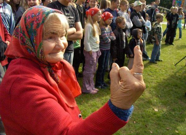 Русская бабушка - quase apanhamos na Rússia