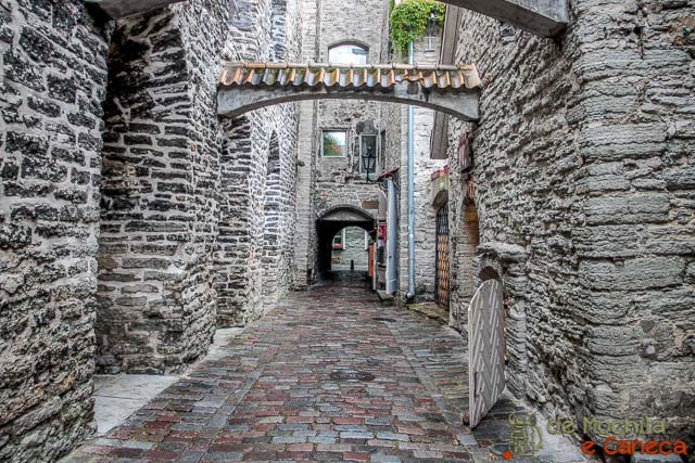 Centro Histórico de Tallinn-Passagem de Santa Catarina- Talin