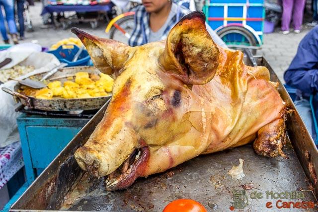 Otavalo Equador-porco assado.