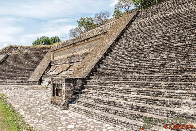 Grande Piramide de Cholula-Patio de los Altares