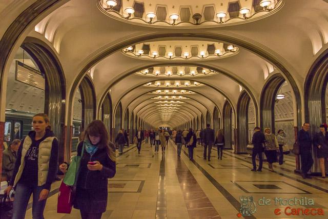 10 lugares imperdíveis em moscou-Metrô de Moscou.