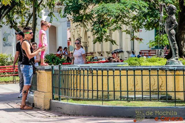 Santa Clara - Cuba-Niño de la bota