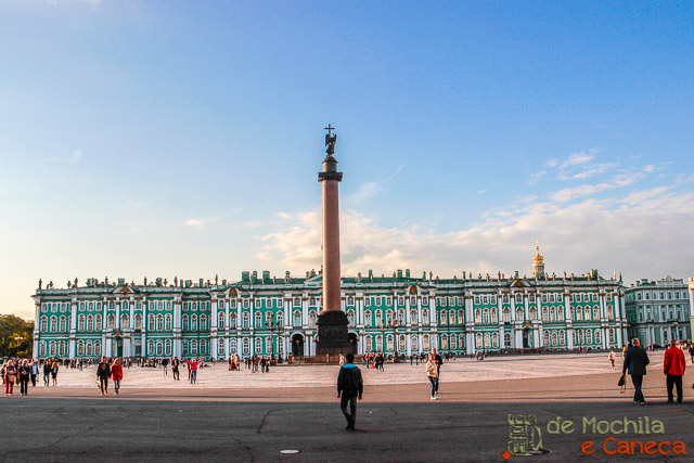 lugares imperdíveis para conhecer em São Petersburgo-Palácio de Inverno