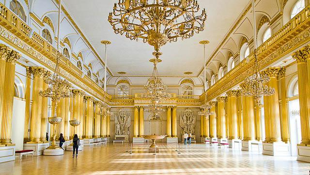 lugares imperdíveis para conhecer em São Petersburgo-Museu Hermitage