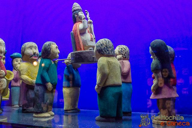 Obras feitas em barro no Museu do barro de Assunção.