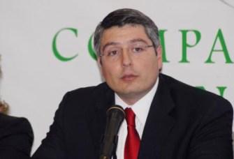 El Secretario de Gobierno Armando Luna Canales fue claro al asegurar que habrá cuidado en los recursos que se entregan al alcalde Isidro López Villarreal para las obras de remodelación que se realizarán en varias calles de Saltillo. La acción molestó al edil de la capital del estado.