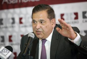 Alonso Ancira. Revisión del contrato colectivo.