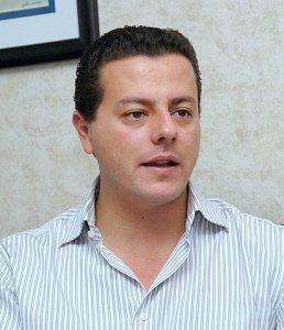 Cuco Sandoval, todo el apoyo de Rubén Moreira.