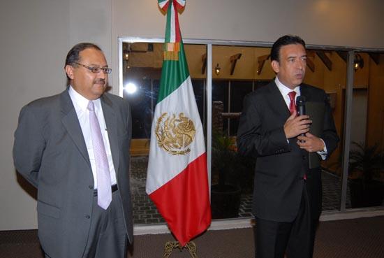David Aguillón, cuando juraba lealtad al Profesor Humberto Moreira. Ahí empezó a acumular riquezas.