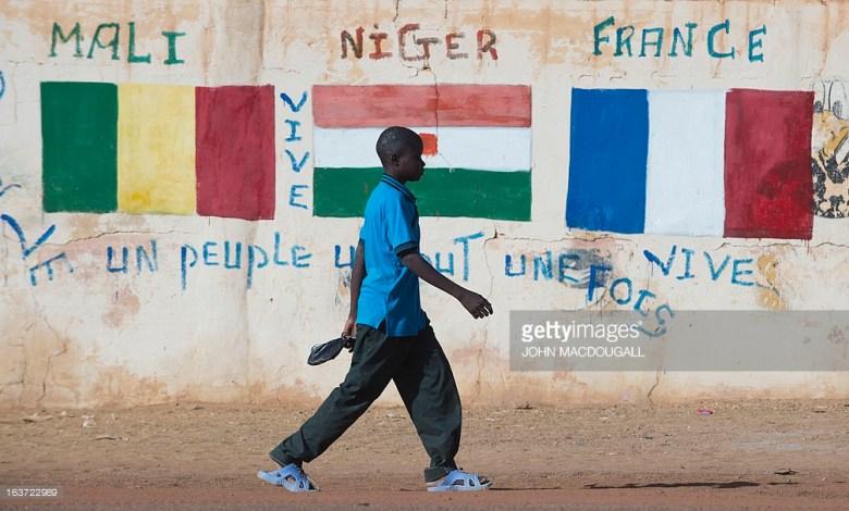 Photo of مستقبل مالي: بين بنادق الجيش وأصوات المحتجين