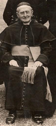 Kelly Mgr Hugh Canon 7