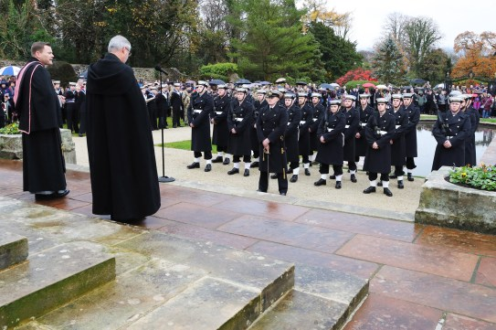 Images; LPhot Porridge Oates Helensburgh Remembrance 2018 The service was attended by Sailors and staff from HMNB Clyde. Representing the Naval Base was Naval Base Commander Commadore Donald Doull. The parade marched through the streets of the town watched by members of the public. After there was a sevice held at the cenotaph which included a wreath laying ceremony.