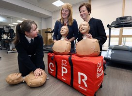 OLSP CPR PIC SHOWS Cllrs Karen Conaghan and Caroline McAllister with the Pupils