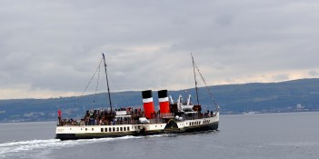 paint 12 paddle steamer Waverley on the Clyde