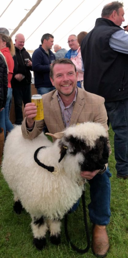 Endrick Raymond Irvine gets a selfie with a sheep at the price