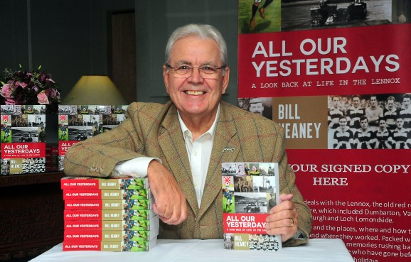Bill Heaney book launchPicture by Colin Garvie, Lennox Herald contracted freelance, 17/11/16