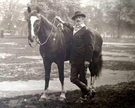 Don Roberto and his horse.jpg 2