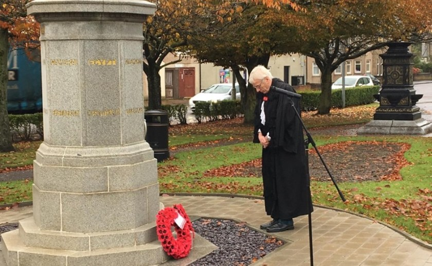 Sinclair - Rt Rev Colin Sinclair pays his respects at the war memorial in Carluke's Market Square