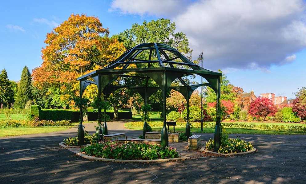 West Dunbartonshire park rescued from SNP council cuts presented with Green Flag Award