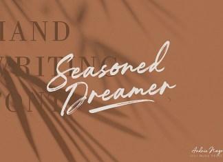 Seasoned Dreamer Brush Font